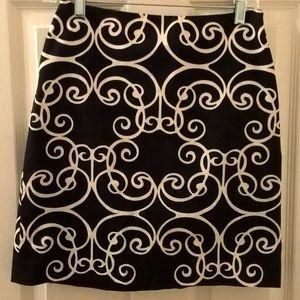 Ann Taylor black/white patterned skirt size 0P